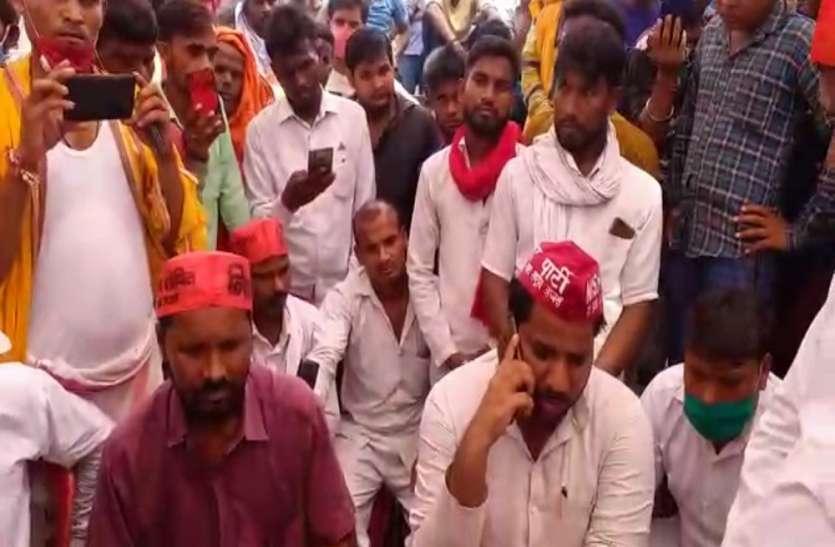 अयोध्या पुलिस से दूर राजेश निषाद की हत्या करने वाला मुख्य आरोपी, परिजनों में आक्रोश