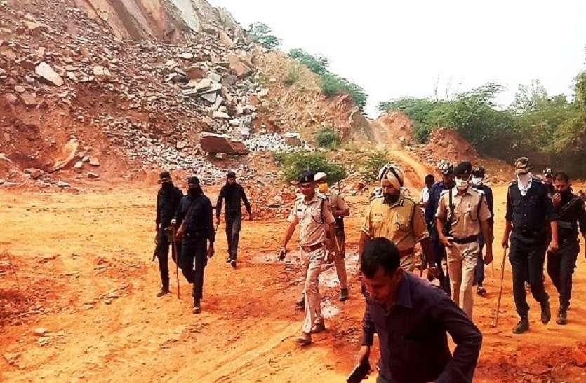 बेखौफ खननमाफिया: रास्तों को अवरुद्ध कर गिरोह करता रहा पुलिस को भगाने की कोशिश