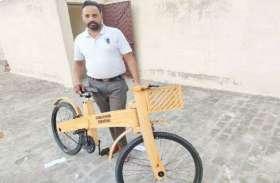 लॉकडाउन में धनीराम सग्गू ने बनाई लकड़ी की साइकिल, विदेश से आ रहे ऑर्डर