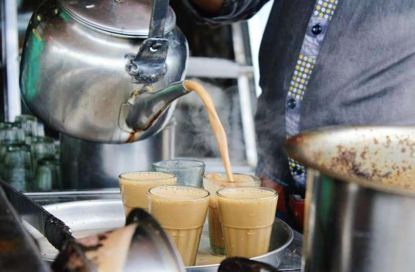 चार दिन पहले कलक्ट्रेट में अधिकारियों और वकीलों को पिलाई चाय, अब चाय वाले की कोरोना से हो गई मौत