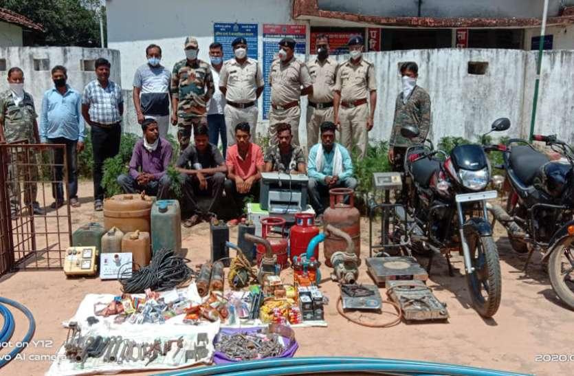 गुटखा-सिगरेट बेचने ग्राहक की तलाश कर रहे युवक से हुआ 6 चोरियों का पर्दाफाश, गिरोह के 5 सदस्य गिरफ्तार