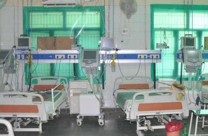 कर्नाटक में कोविड मरीज बढऩे से आइसीयू बिस्तरों की कमी