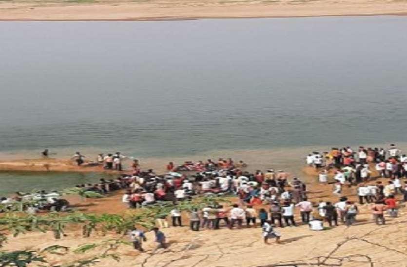 चम्बल नदी में डूबी यात्रियों से भरी नाव, 40 से ज्यादा थे सवार