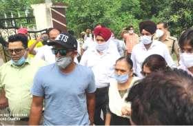क्रिकेटर सुरेश रैना के पठानकोट पहुंचते ही मुख्यमंत्री ने की घोषणा