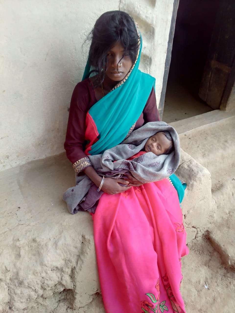 पंडो परिवार के 1 माह के बच्चे की मौत के बाद उड़ी ये अफवाह, एसडीएम-सीएमएचओ दौड़ते पहुंचे गांव
