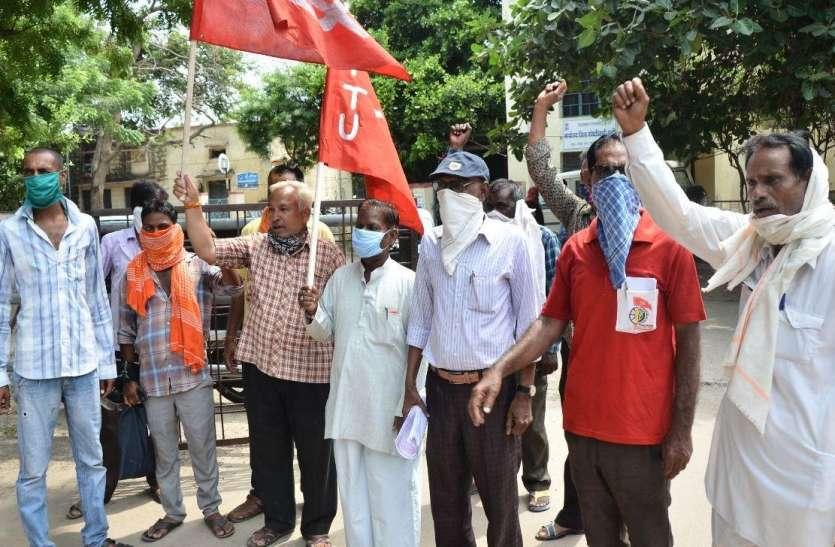 श्रमिकों ने 10 सूत्रीय मांग पत्र सौंपा