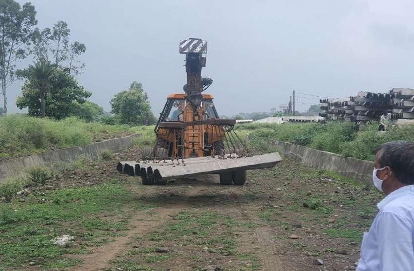 Railway: बारिश से धीमी हुई इस रेलमार्ग परियोजना के कार्यों की रफ्तार
