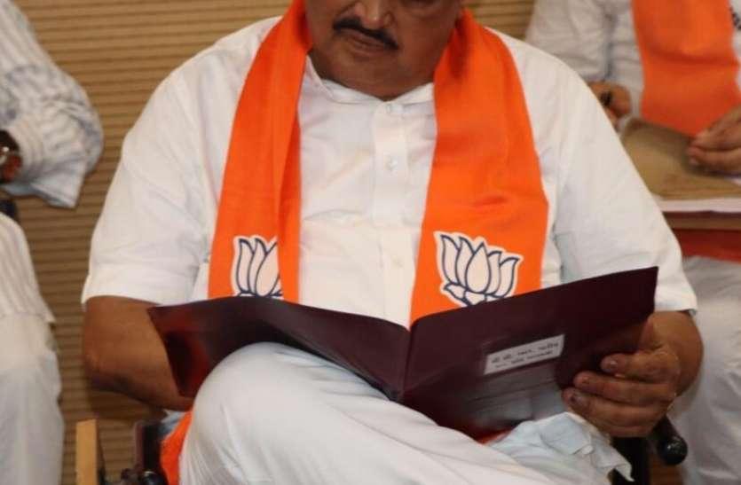 Gujarat: पाटिल ने कहा, कोरोना के बीच सार्वजनिक रूप से नहीं हों नवरात्रि के आयोजन