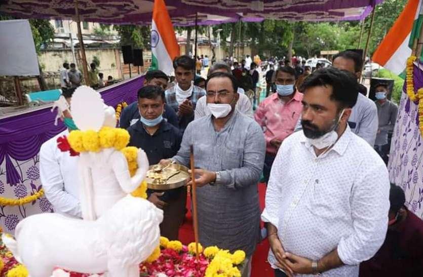 Ahmedabad, Palanpur News : भारत माता व स्वामी विवेकानंद की प्रतिमाओं की स्थापना शुरू