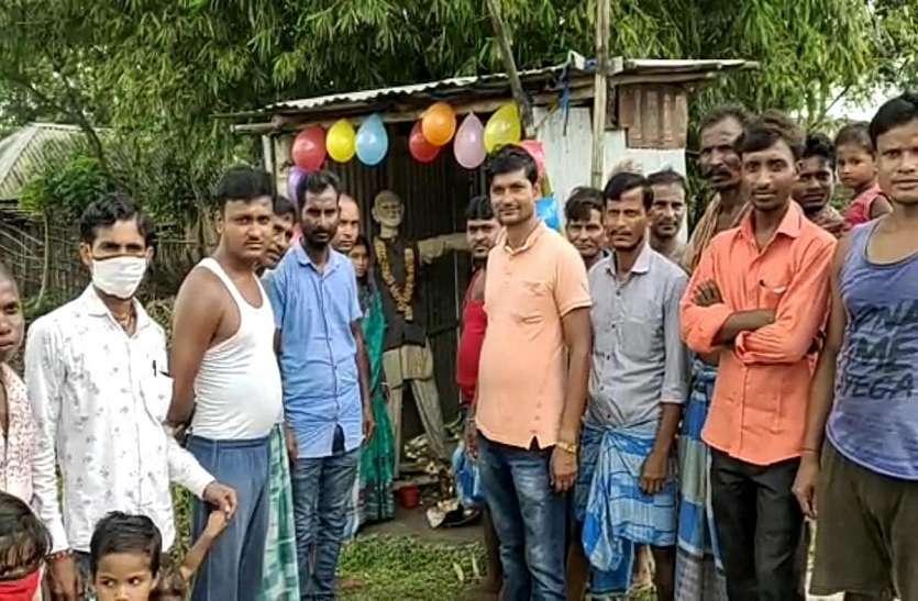 इस गांव के विकास को बताया मोदी की देन, बना दिया उनका मंदिर