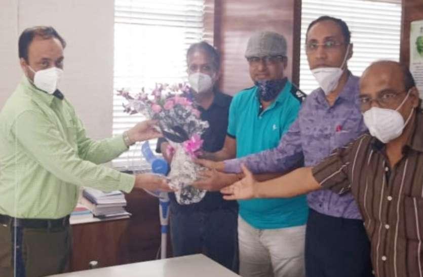 SURAT KAPDA MANDI: कपड़ा व्यापारियों का भी बने सुगठित संगठन