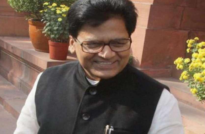UP Top News : राज्यसभा में 8 सांसद के निलम्बन पर दुखी सपा नेता राम गोपाल यादव ने माफी मांगी