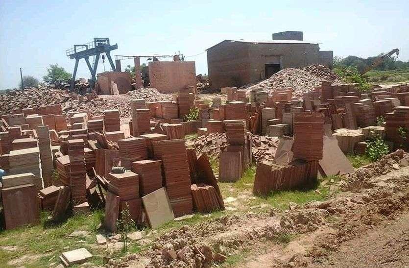 कोरोना महामारी के चलते धौलपुर जिले का पत्थर व्यवसाय चौपट होने के कगार पर