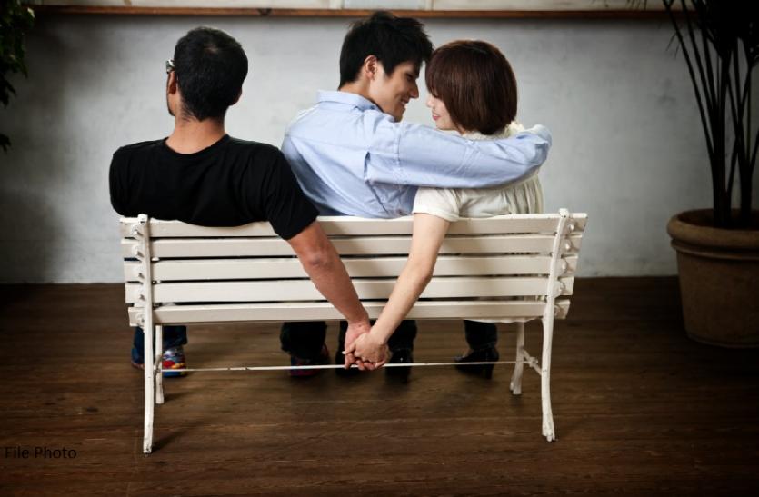 30 की उम्र में महिला ने प्यार के लिए पति को छोड़ा, 25 साल बाद अकेली पड़ीं तो पति ने दिया सहारा, जानिएं पूरा मामला