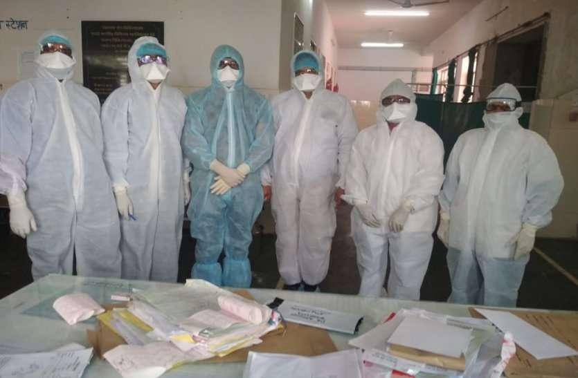 कोरोना संकट के बीच आफत भरी खबर, पांच दिन बाद 25 डॉक्टर व नर्सिंग स्टाफ होंगे रिटायर, पहले ही स्टाफ की कमी