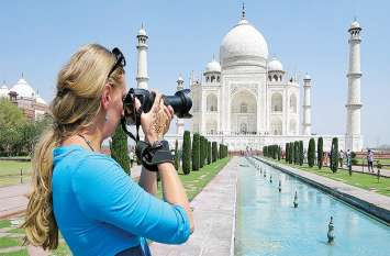 WORLD TOURISM DAY : दुनिया के पर्यटन उद्योग को निगल गया कोरोना, जानिए कितना नुकसान हुआ