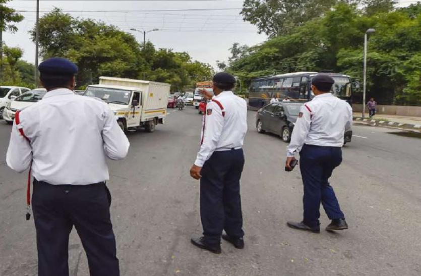 यातायात पुलिस का हाइवे पर ध्यान, शहर से अनजान!