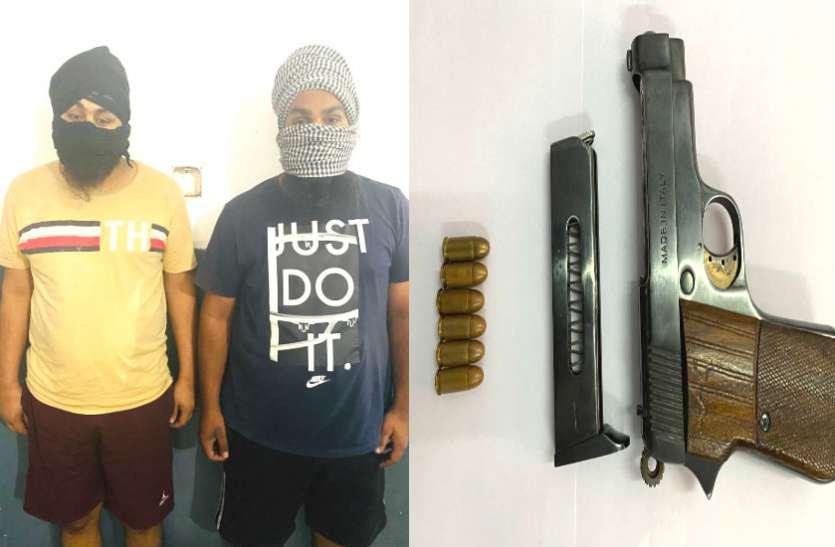 बीएसएफ का पूर्व सिपाही चला रहा अंतरराष्ट्रीय नशा तस्करी रैकेट, दो और साथी गिरफ्तार
