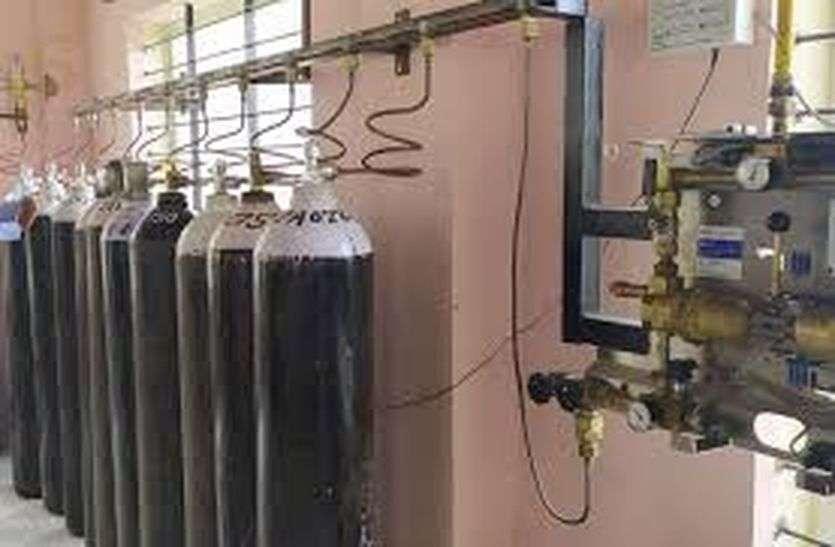नागौर के अस्पतालों में पर्याप्त रूप से उपलब्ध है बेड एवं ऑक्सीजन सिलेण्डर - कलक्टर