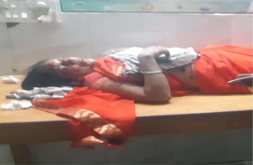 आधा घंटे तक सिर से बहता रहा खून, कर्मचारी तलाशते रहे इंजेक्शन