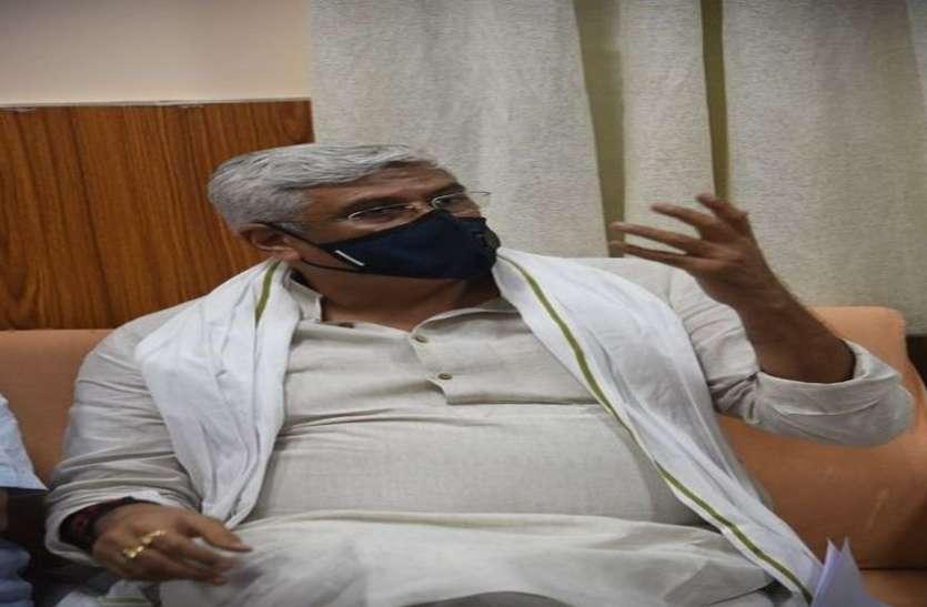 केन्द्रीय मंत्री शेखावत ने कहा 'राजस्थान में क्यों नहीं बनाते गृहमंत्री'
