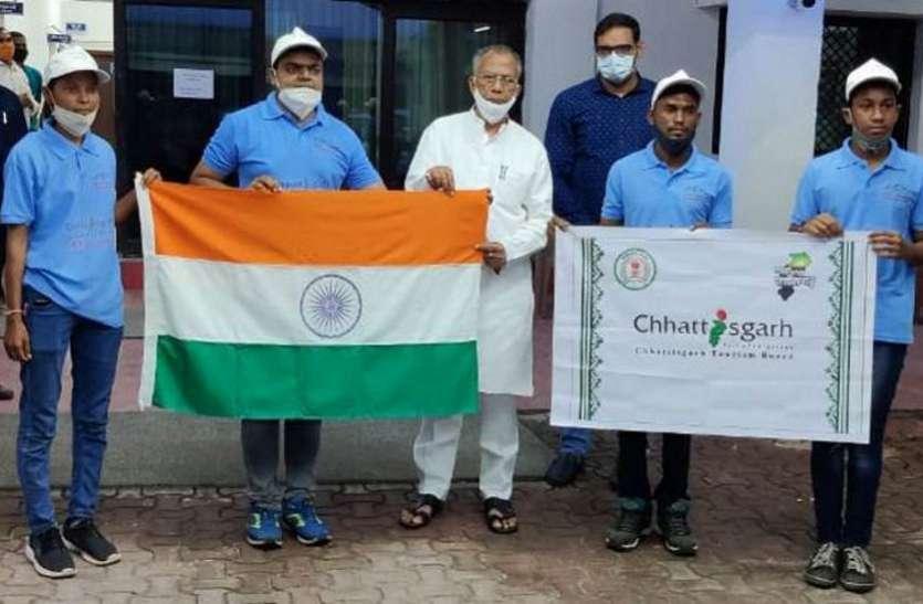 माउंटेनमैन राहुल गुप्ता के नेतृत्व में छत्तीसगढ़ से 20 सदस्यीय दल ट्रेकिंग के लिए हिमाचल प्रदेश रवाना, चढ़ेंगे 19 हजार फीट की ऊंचाई