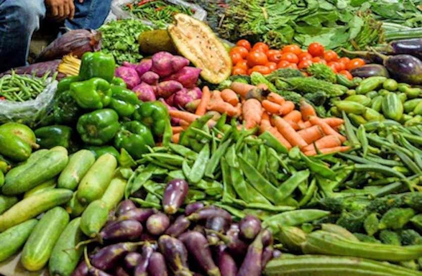 महंगाई नेबिगाड़ारसोई का बजट, फल से भी ज्यादा महंगी हुई सब्जी
