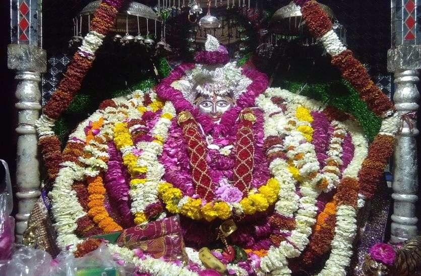 अब नवरात्रि उत्सव पर छाया कोरोना संकट