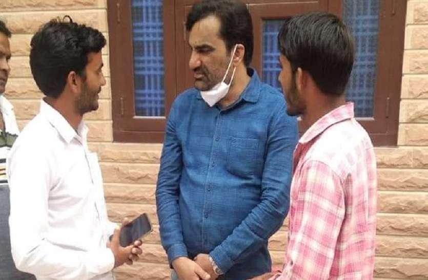 RLP Rajasthan: कांग्रेस-भाजपा को टक्कर देने वाले प्रत्याशियों को तलाश रहे Hanuman Beniwal