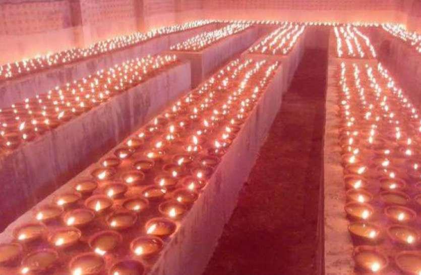 देवी मंदिरों में प्रज्ज्वलित हुए मनोकामना ज्योति कलश, कोरोना काल में घरों में ही माता की आराधना