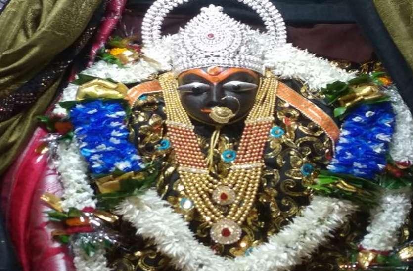 Sharadiya Navratri 2020: नवरात्र के पहले दिन त्रिकूट वासिनी मां शारदा के दर्शन कर धन्य हुए भक्त