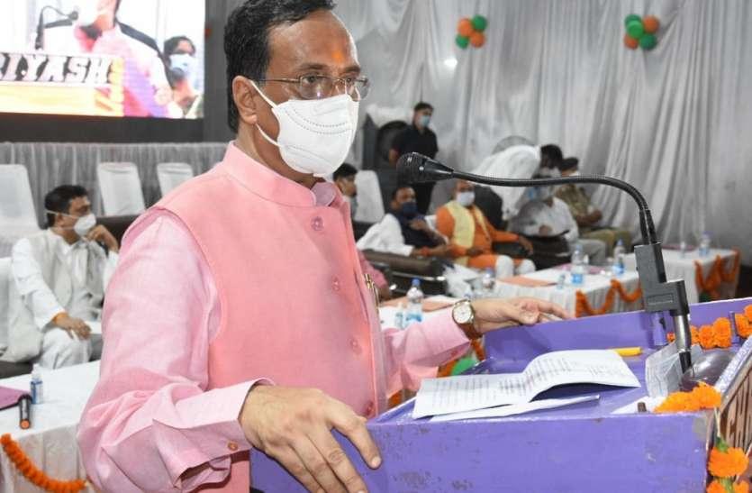 योगी सरकार ने वीवीआईपी जिले के विकास के लिए दिया यह बड़ा बजट,इन विभागों से जनता को मिलेगा योजनाओ का फायदा