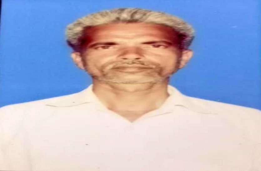 CM के गृह जिले दुर्ग में 15 दिन के अंदर दो किसानों ने की खुदकुशी, कर्ज से परेशान किसान की खेत के पेड़ पर लटकते मिली लाश