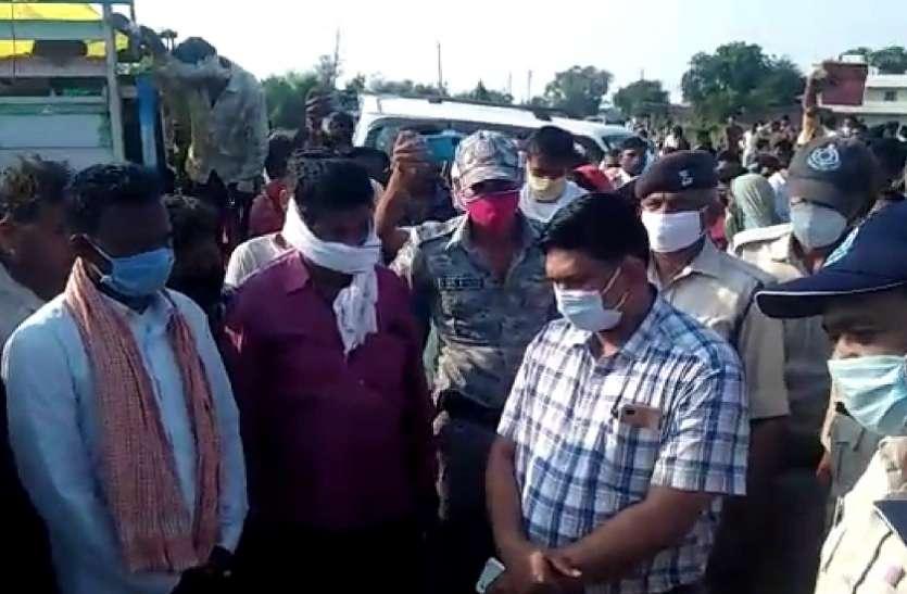 कांग्रेस प्रत्याशी के वाहन की टक्कर से बालक की मौत, विरोध में परिजन ने किया चक्काजाम