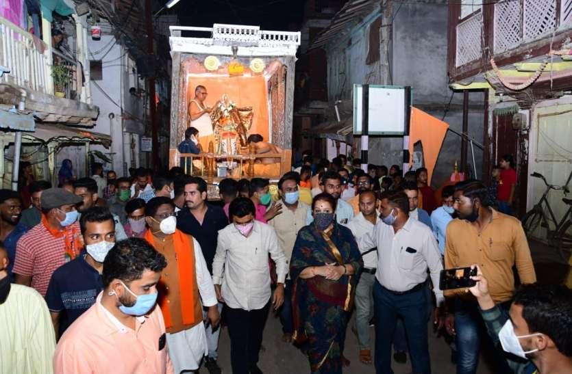 Famous chariot yatra - 250 वर्ष प्राचीन परंपरा फिर जीवंत, दर्शन देने निकले बालाजी