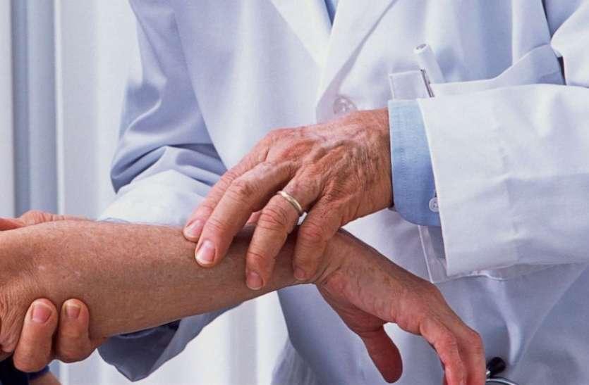 जापानी शोधकर्ताओं का दावा, मानव त्वचा पर 9 घंटे तक रहता है Coronavirus का संक्रमण