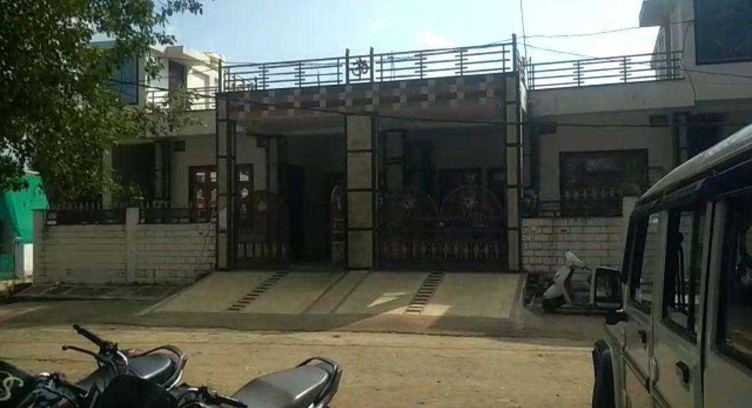 Dhanwantari Nagar LIG resident Mukesh Lamba's.jpg