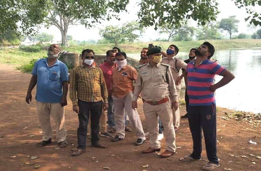 अमानवीय घटना: राजनांदगांव में ग्रामीणों ने शिकारी बुलाकर पांच बंदरों का शिकार कराया, कुत्तों के सामने फेक दिया शव