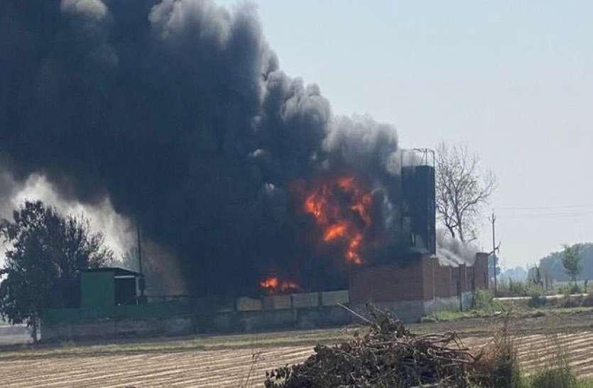 केमिकल फ़ैक्ट्री में लगी भीषण आग, लाखों का माल जलकर खाक