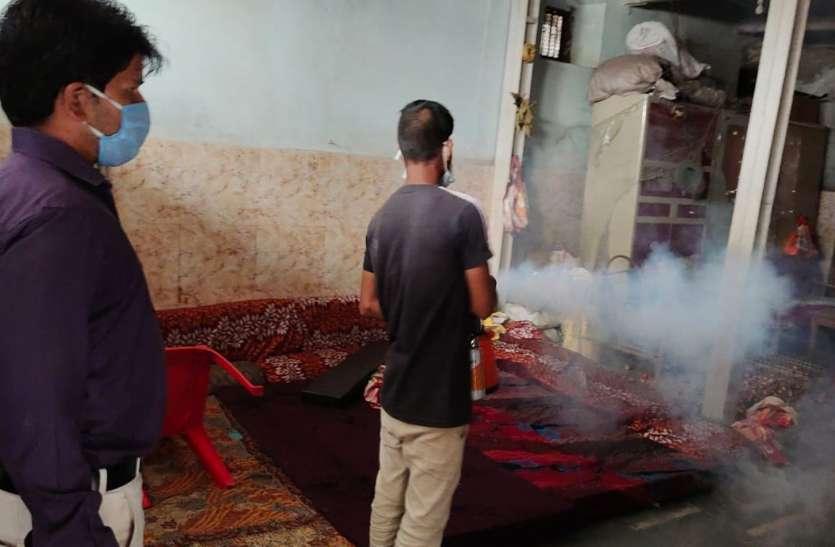 दो घरों में मिला डेंगू का लार्वा, की चालानी कार्रवाई