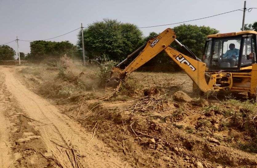 200 करोड़ रुपए की 105 बीघा जमीन कराई अतिक्रमण मुक्त
