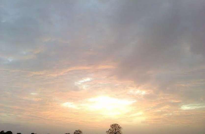 मौसम का रुख बदलाव की ओर, ठंडक ने दी दस्तक, दिन में हो रही धूप लेकिन तल्खी गायब