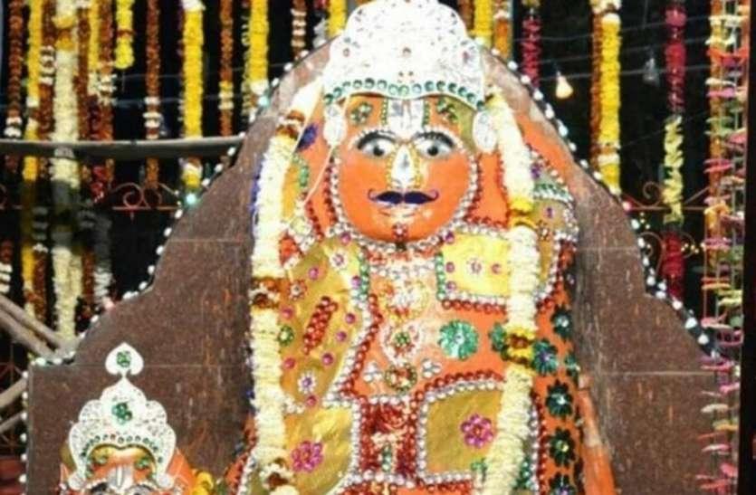 हनुमानजी को पसंद है खुला माहौल : मंदिर की बजाय खुले में चबूतरे पर विराजित है प्रतिमा