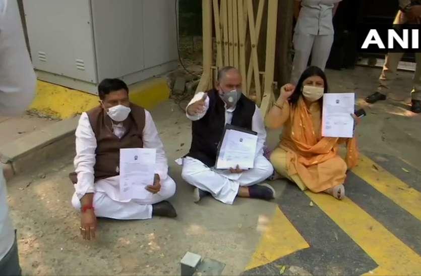 डॉक्टर सैलरी विवाद का मामला गरमाया, CM केजरीवाल के घर धरने पर बैठे मेयर
