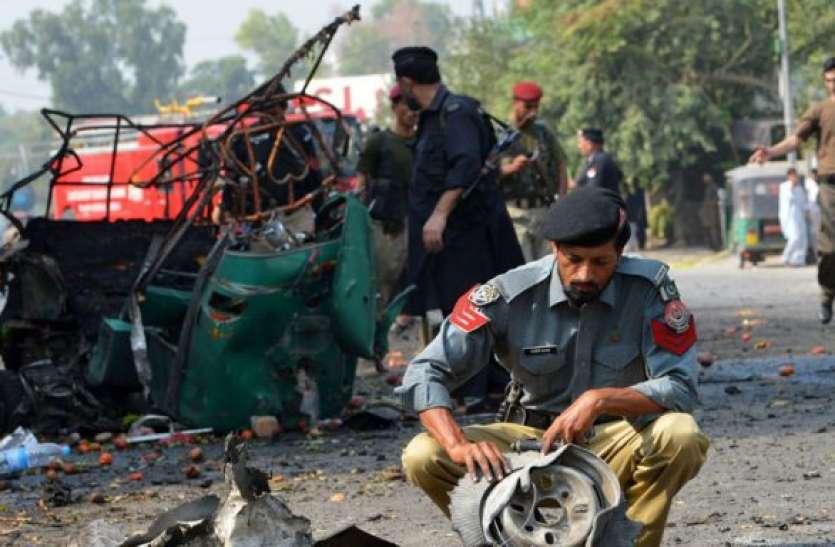 Pakistan: पेशावर के मदरसे में पढ़ाई कर रहे बच्चों पर हमला, धमाके में सात की मौत, 70 घायल