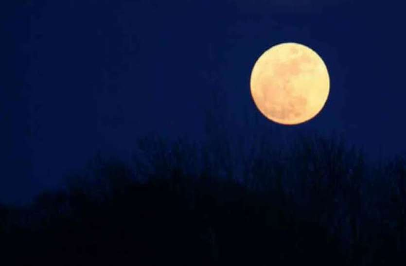 सोलह कलाओं से परिपूर्ण चन्द्रमा से होगी अमृत वर्षा