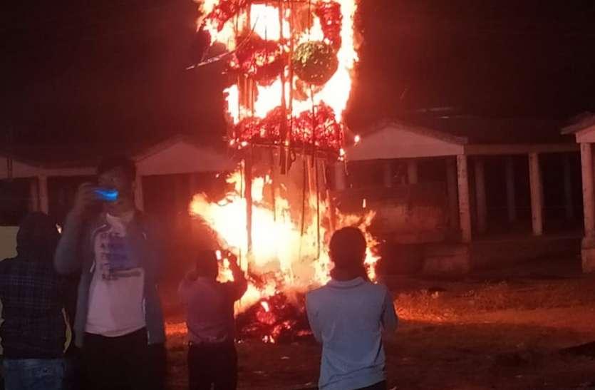 धूं-धूं कर जला अधर्म की आस्था का प्रतीक रावण, हर्षोल्लास के साथ मना विजयादशमी का त्यौहार