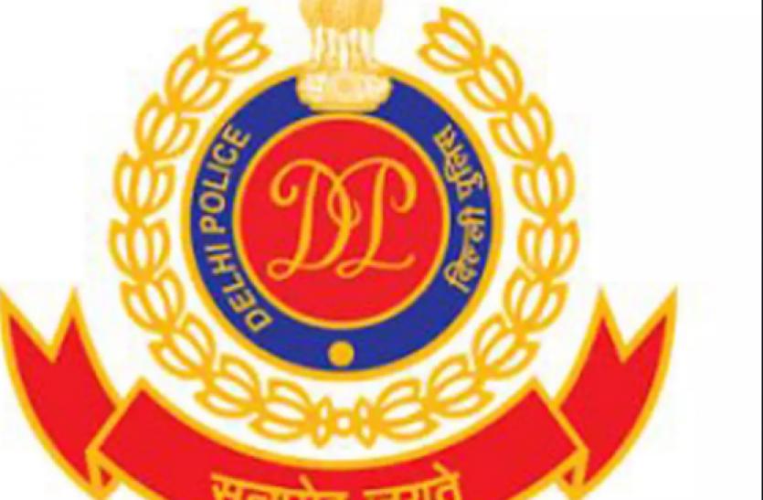 Delhi Police की बड़ी कार्रवाई, अवैध तरीके से शेयर ट्रेडिंग के आरोप में अजय ओबेरॉय गिरफ्तार