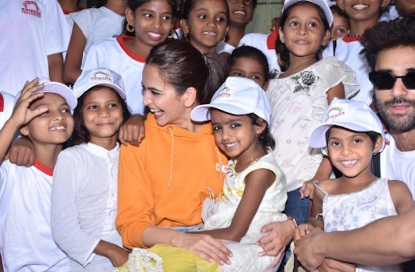 Kriti Kharbanda ने जन्मदिन पर किया नेक काम, 30 बच्चियों के पढ़ाई का उठाएंगी खर्चा
