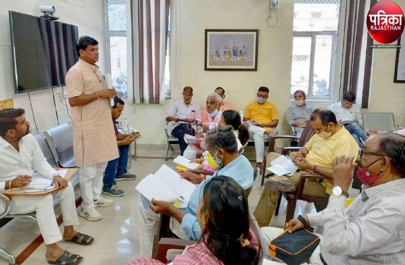 रणनीति में कांग्रेस कमजोर, भाजपा पड़ रही भारी